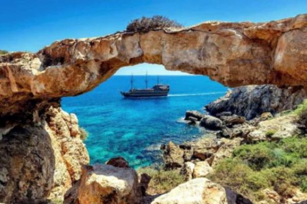Кипр открыл границы для россиян