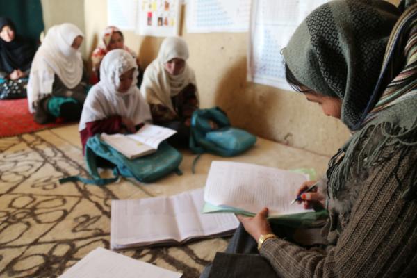 Талибы опровергли слухи о запрете обучения девочкам