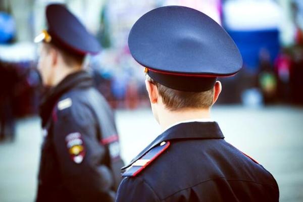 Пьяная россиянка избила полицейского